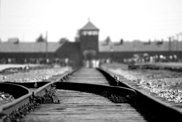 Neumünster: Gedenkfeier und ökumenischer Gottesdienst zum Holocaust-Gedenktag